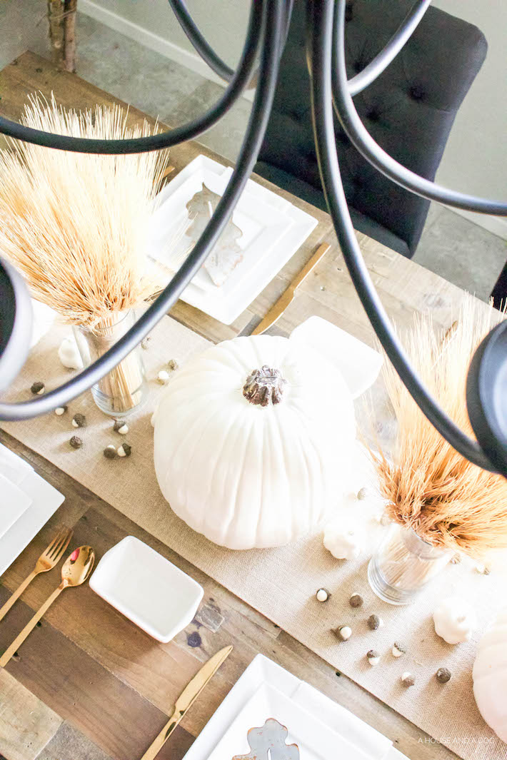Neutral Gold & White Thanksgiving Table - White Pumpkins & Wheat | helloallisonblog.com