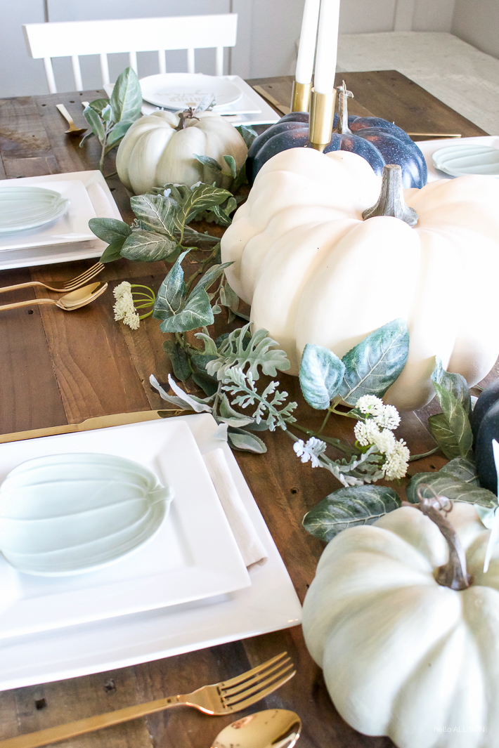 Blue + Green Pumpkin Fall Tablescape | helloallisonblog.com