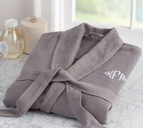 15 Gifts for the Homebody | Gift Guide | helloallisonblog.com