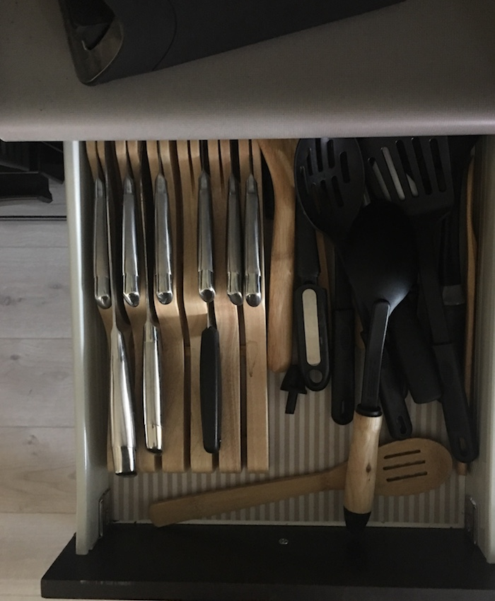 10 Days to an Organized Clutter Free Home | Organizing the Kitchen | helloallisonblog.com
