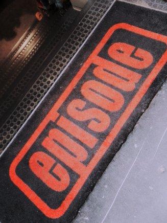 episode-entrance