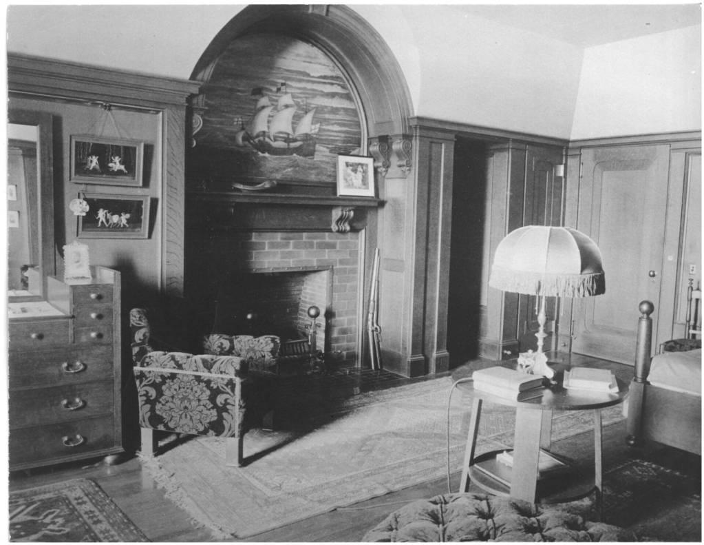 Guest bedroom - third floor