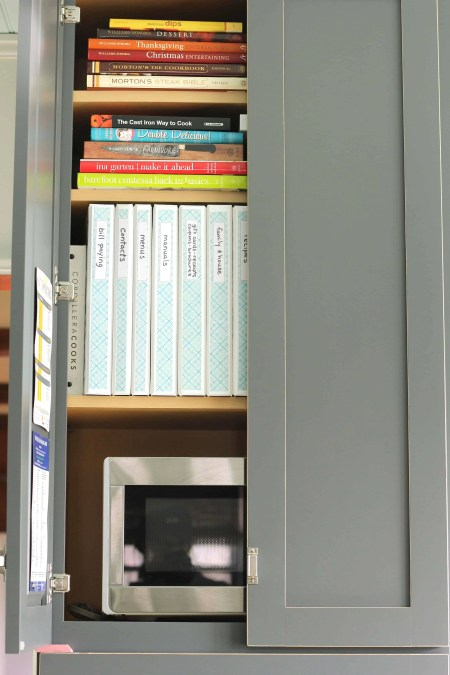 Stay organized must read solutions: Binders for storing all of your paper clutter...even though we live in a digital world we still have paper clutter