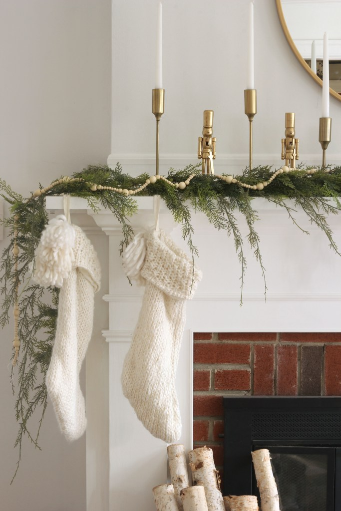 Here's a quick and easy way to create a classic Christmas mantel in your home! You just need a few basic items to complete the cozy holiday vibe!