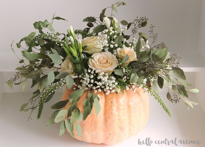 Here are two ways to create an easy pumpkin flower arrangements this fall! Check out the no-carve method to make your pumpkin last all season!
