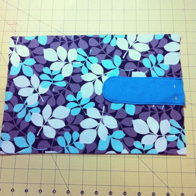 This 60 Minute Laptop Sleeve Sewing Tutorial is customizable for any size of laptop from a Macbook Air to a HP Notebook. The perfect project for beginner sewers!