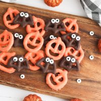 Easy Chocolate Covered Halloween Pretzels With Step By Step Photos