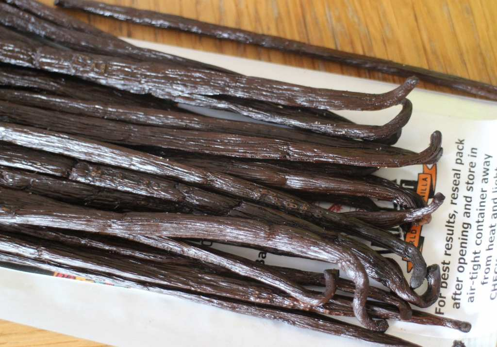 Homemade vanilla bean-paste recipe