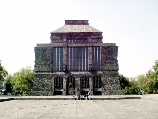 1024px-Anahuacalli_museum_mexico_city