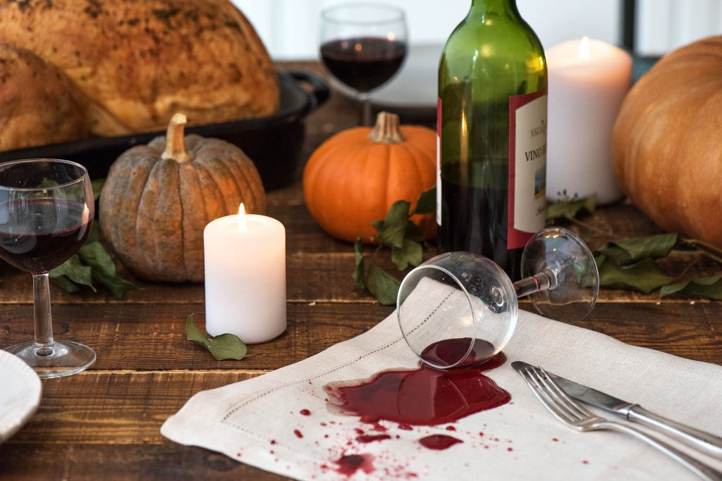 thanksgiving fails-spilled-wine-hellofresh