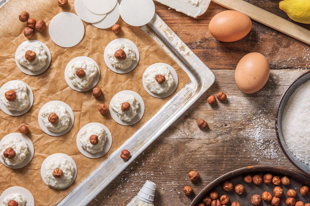 holiday cookie recipes-HelloFresh-coconut-macaroons