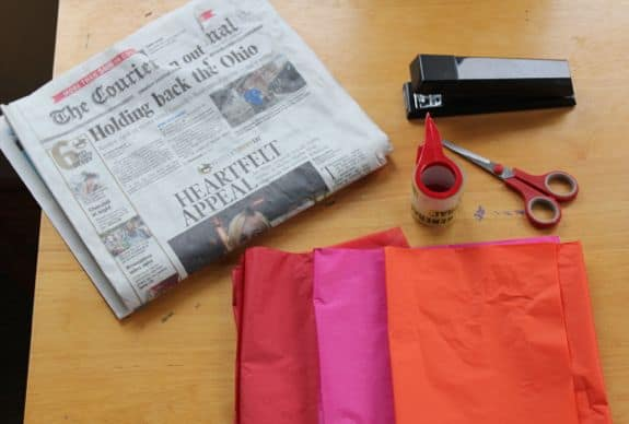 DIY Newspaper Derby Hat   HelloGlow.co
