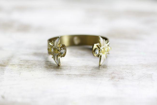 DIY Bracelet with Bee Charm | Hello Glow