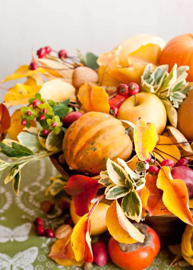 thanksgiving centerpiece - acorn squash and apple