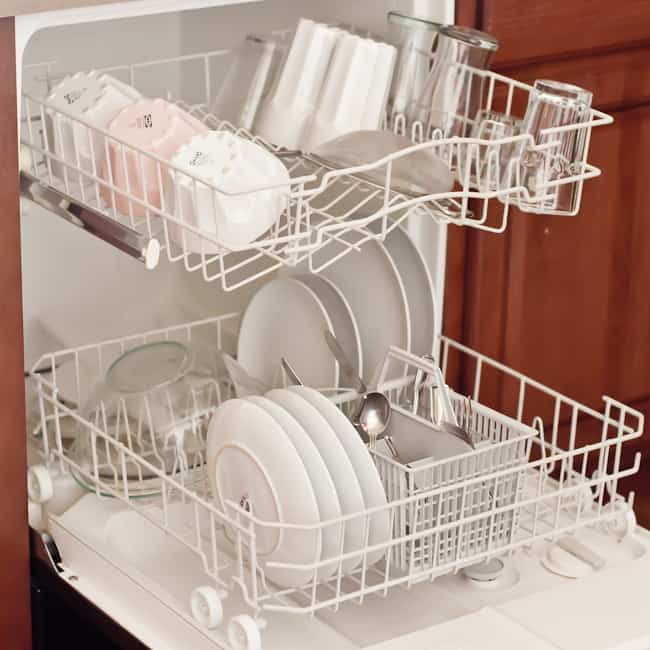thanksgiving kitchen - dishwasher