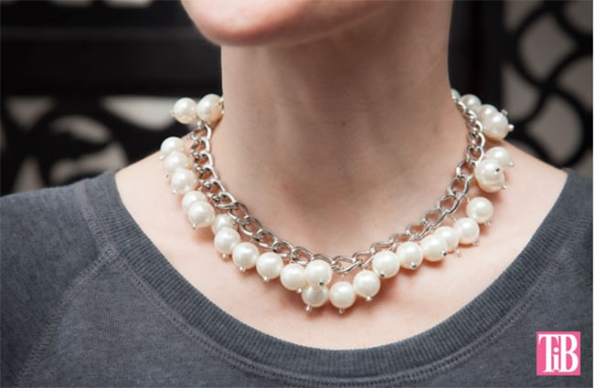 Statement pearl necklace | Hello Glow