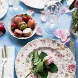 How to Create a Romantic Table Setting