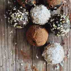 3 Easy (and Vegan) Energy Ball Recipes