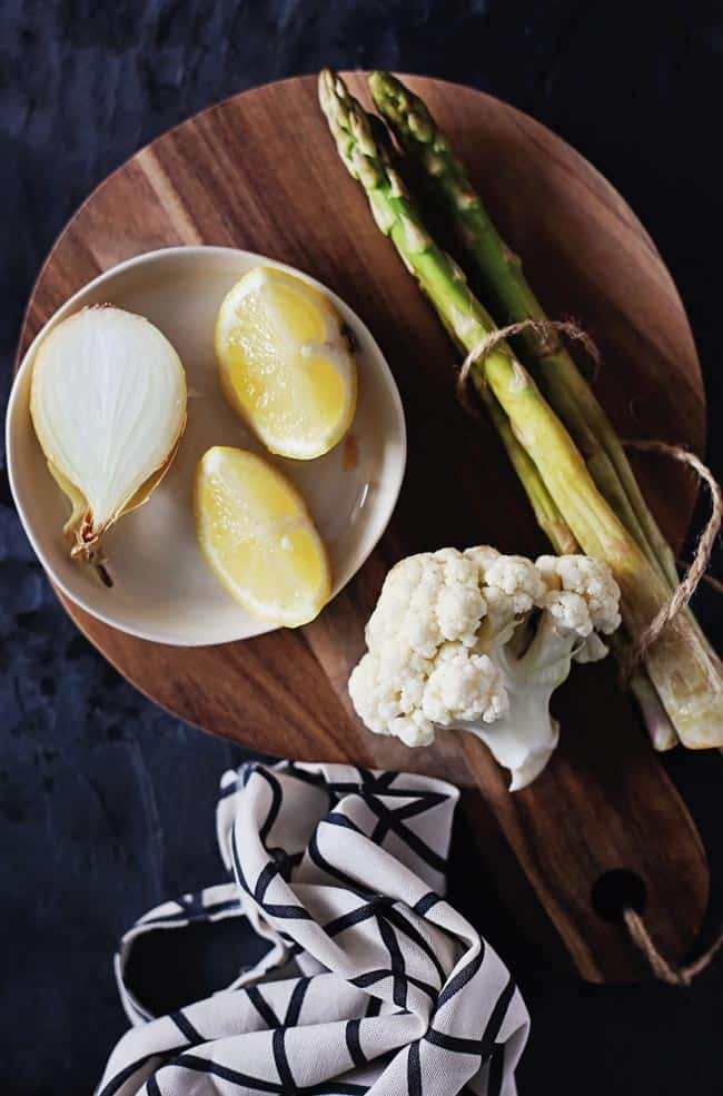 Creamy Asparagus Cauliflower Soup