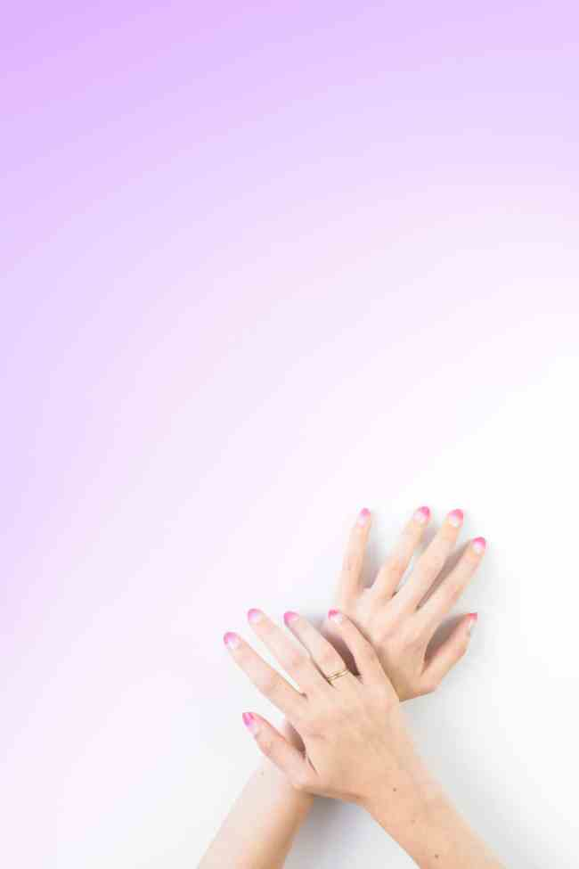 Makeup Sponge Nails by Studio DIY | 6 Easy Nail Ideas