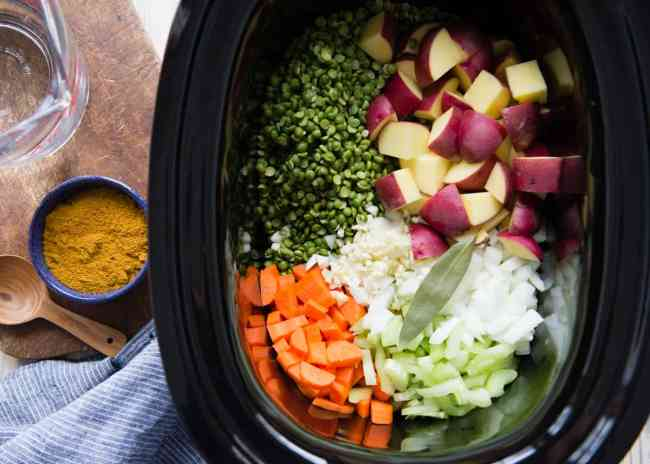 Slow Cooker Vegetarian Split Pea Soup