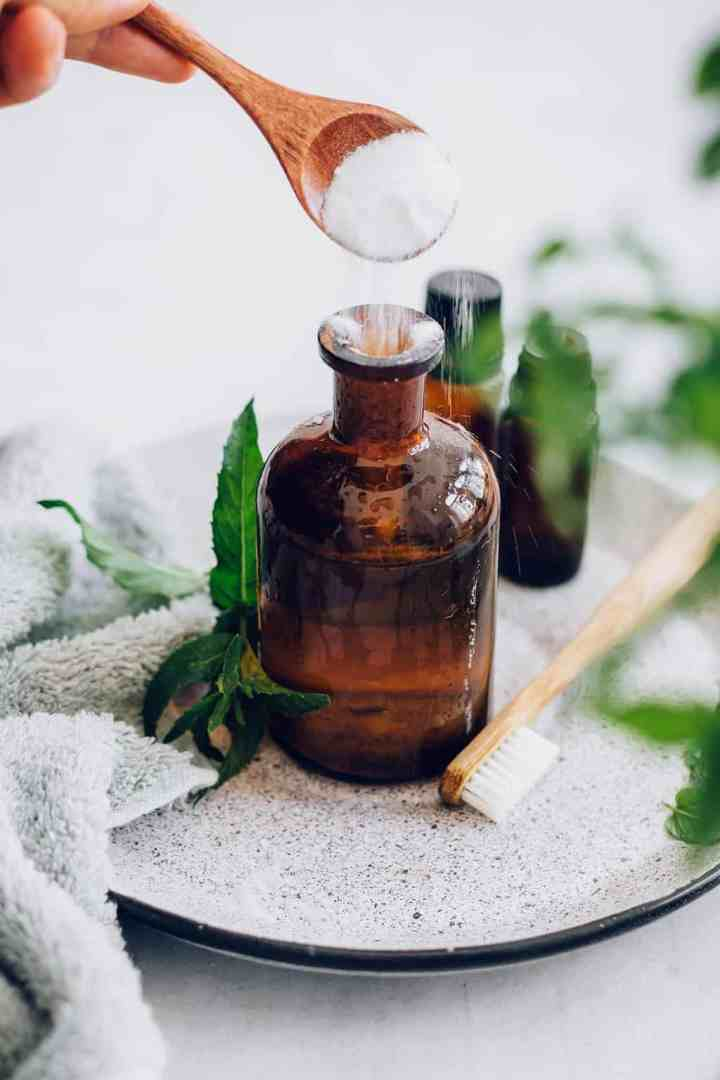 How to make mouthwash with essential oils