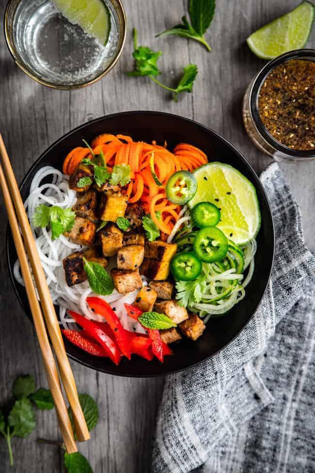 Thai-Style Spiralized Veggies with Tofu