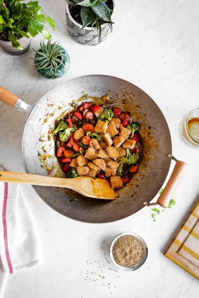 Sweet and Spicy Vegetarian Stir-Fry with Crispy Tenders   HelloGlow.co #vegan #plantbased #vegetarian