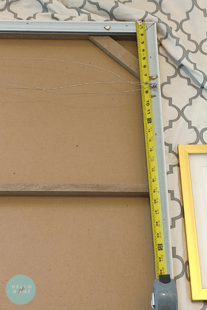 Measurements for hanging a photo