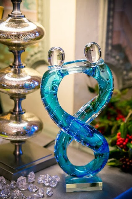 glass lovers www.roomsrevamped.com
