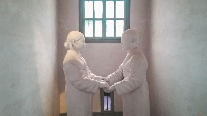 prison seodaemun statue