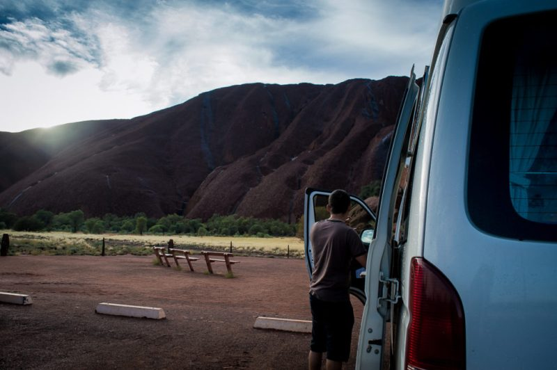 parking au départ de la Mala Walk à Uluru