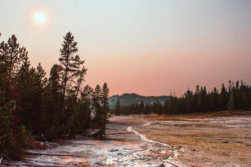 norris geyser basin au coucher du soleil
