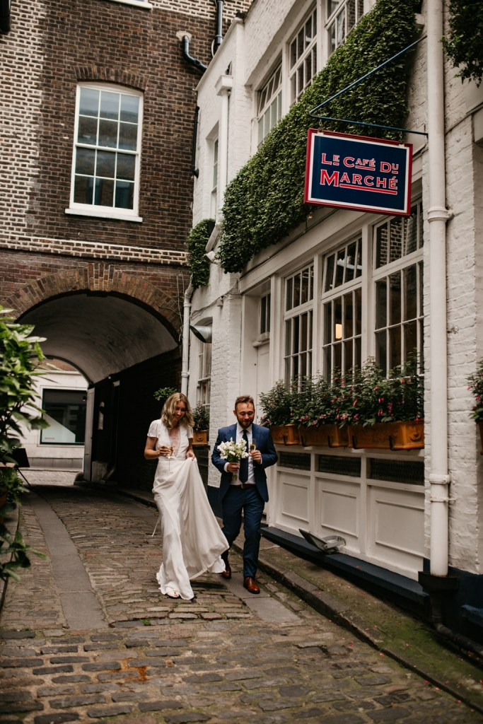 wedding at le cafe du marche in london cobbled streets