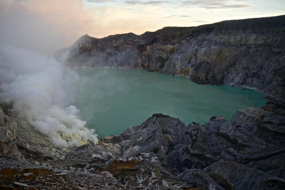 Kawah Ijen Crater | Places to Visit in Indonesia | Hello Raya Blog