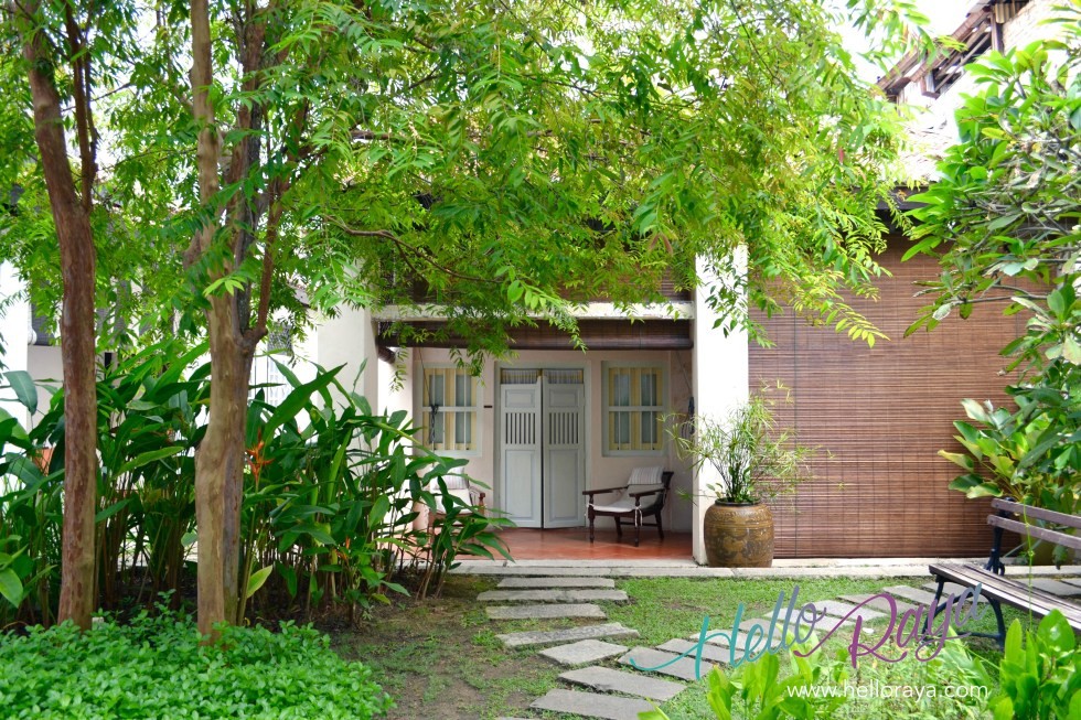 23 Love Lane - Garden Area   Hello Raya