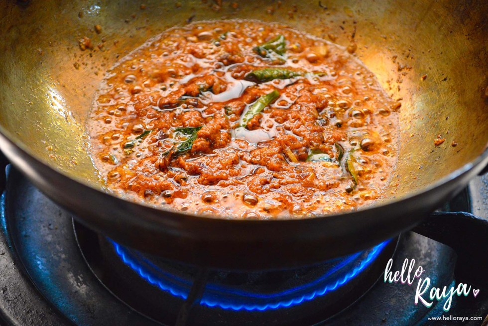 A Malaysian Cooking Class in KL | Lazat Cooking Class | Cooking Chicken Curry | Hello Raya Blog