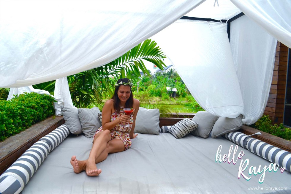 Berry Amour Resort in Seminyak, Bali - Welcome Drink & Flower Crown - Hello Raya Blog