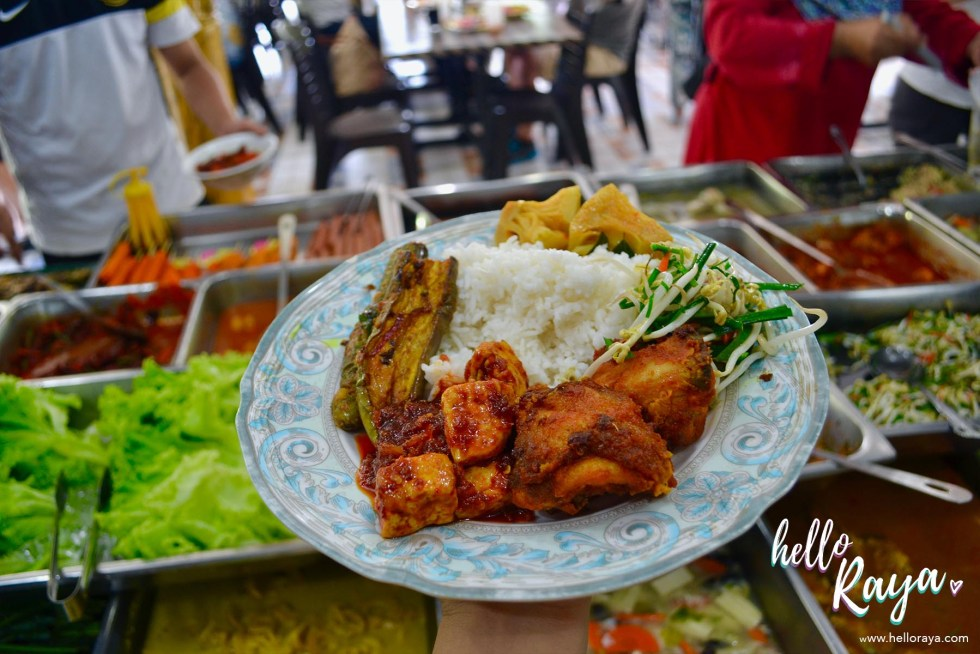 Eating & Drinking in Langkawi - Restoran Siti Fatimah | Hello Raya Blog