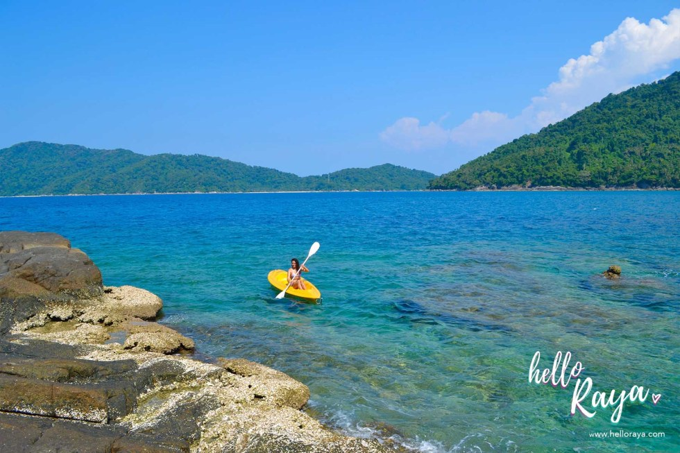Travel Guide to Visiting the Perhentian Islands - Perhentian Kecil - Kayaking - Hello Raya Blog