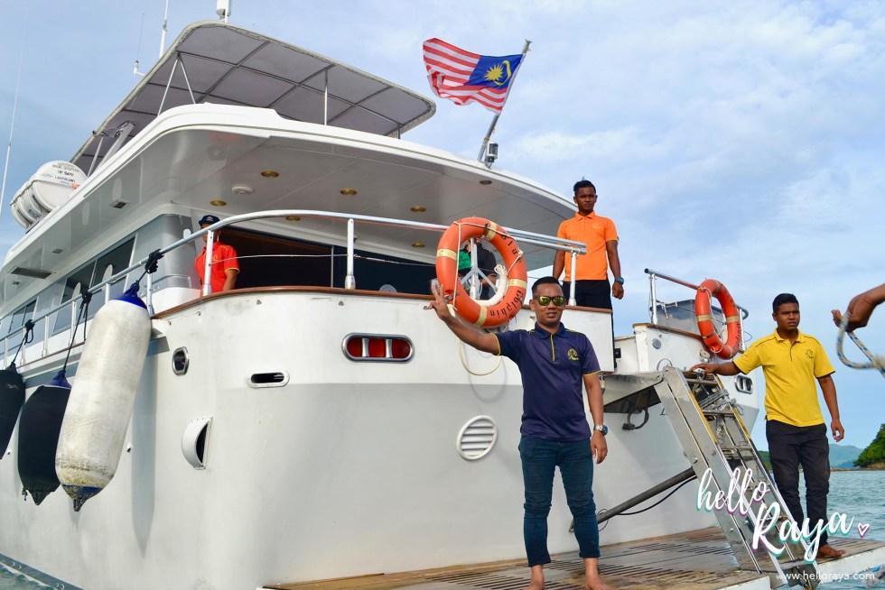 Naam Sunset Cruise in Langkawi - Blue Dolphin Boat | Hello Raya Blog