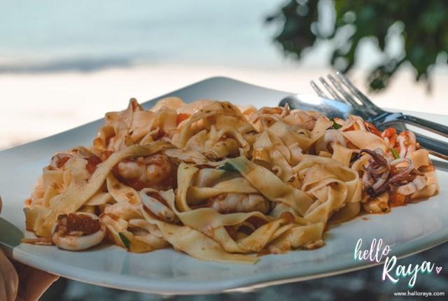 Bixio Cafe Long Beach in Pulau Weh   Hello Raya Blog