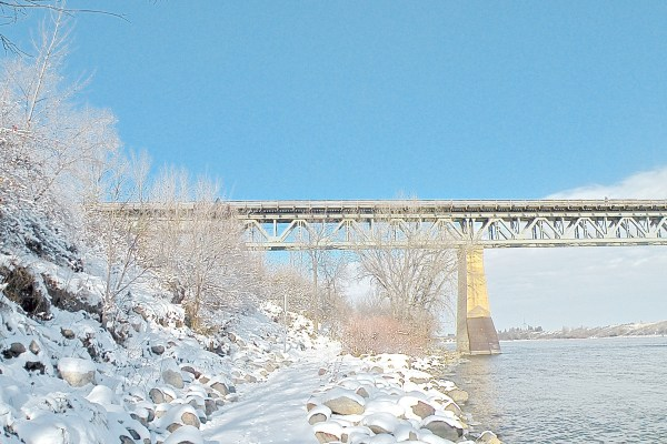 Saskatoon_Bridge_Winter_17.jpg