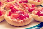 A Blogger's Dozen May 2014 Mariah's Strawberry Tarts (Happy Murmurs)