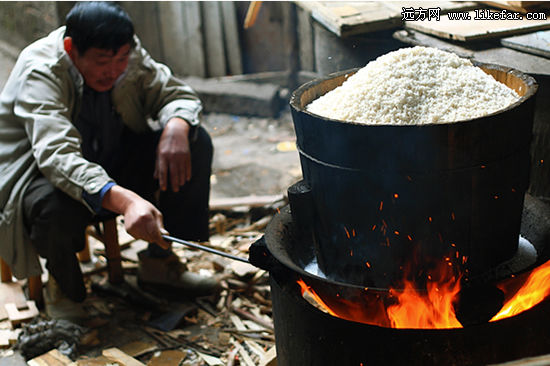 making yellow rice wine