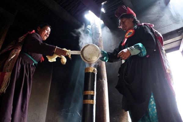 Tibetan Tea Drinking Culture And Customs