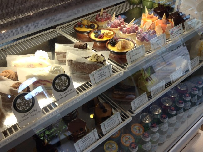 Pastel Creperie & Dessert House - Dessert Display Case - HELLOTERI