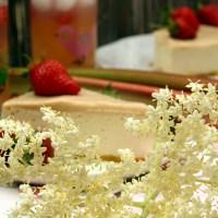 Rhubarb curd, czyli rabarbarowy krem na angielską modłę.