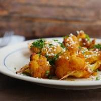 Satay z kalafiora, czyli wegański pomysł na grilla