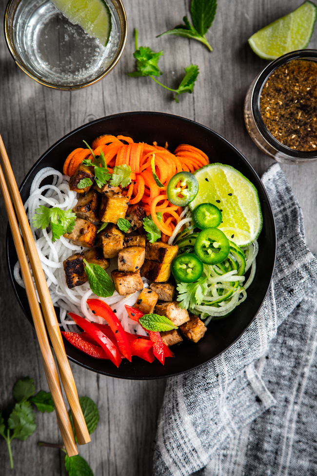 Thai-Style Spiralized Veggies with Tofu